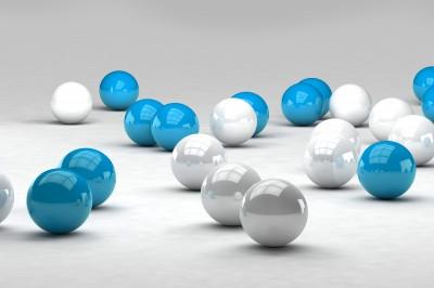 Białe i niebieskie kule 3D #84683831